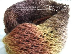 Kaunis Helmi: Vuoden ensimmäinen neulomus Helmet, Knitting, Crochet, Handmade, Fashion, Moda, Hand Made, Hockey Helmet, Tricot