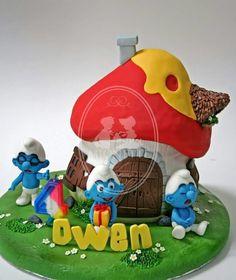 Mionette   Smurfs red cottage cake