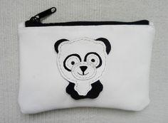 Panda. Bolsa de cuero con cremallera con panda por JYNleather