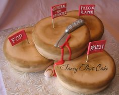 OH - MY - GOD.....ITS A SWEENY TODD CAKE!!!