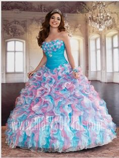 Vestidos coloridos para quinceañeras