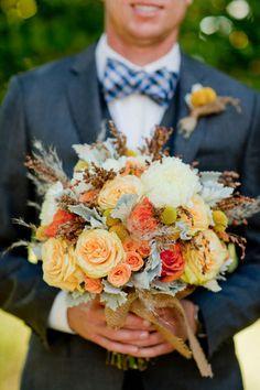 LOVE this fall / orange bouquet, still very much loving orange & blue.