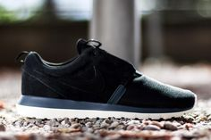 The Natural Motion branding ont his pair of Roshe Runs has proven to be a fairly broad encompassing title, considering that we've seen the upper of those NM silhouettes dressed in everything from traditional mesh, suede to donning an extra supported tape toebox. Today the Nike Roshe Run Natural Motion gets outfitted in a premium [&hellip