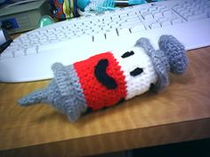 Cuddly syringe - now with a sorry attempt at a tutorial. more like a hint :) - CROCHET - I made this last night as a thank you gift for the nursing staff in my weight-loss program. I did not use a pattern, I just started at the plunger end Crochet Food, Cute Crochet, Crochet Dolls, Amigurumi Patterns, Crochet Patterns, Crochet Ideas, Yarn Projects, Crochet Projects, Crochet Pillow