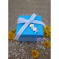 Μπομπονιέρα αγόρι. Μπομπονιέρες βάπτισης αγόρι κουτί καρώ τυρκουάζ με μεταλλικό πρίγκηπα Gift Wrapping, Gifts, Gift Wrapping Paper, Presents, Wrapping Gifts, Favors, Gift Packaging, Gift