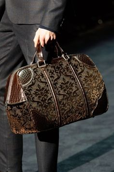 Carpet bags in the menswear shows in Milan - can I have one?