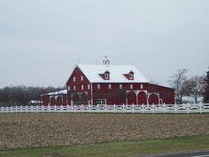 Amish Barn in Indiana by ggarner, via Flickr