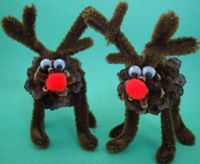 Here's an adorable and easy to make kid's craft that's perfect for the holiday season. Make Pine Cone Reindeer with your kids and they'll love having this great little craft.