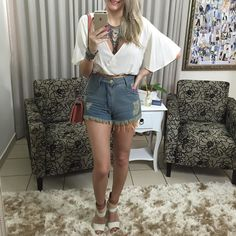 Cropped  shorts jeans  colar  bolsa.  Disponíveis no site http://ift.tt/PYA077