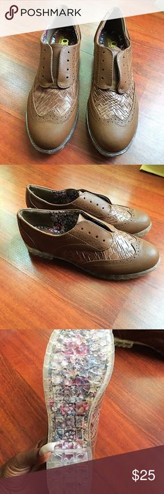 Casual shoes Never been worn; has a comfortable fit; unique look Aldo Shoes Flats & Loafers