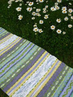 Blog image Picnic Blanket, Outdoor Blanket, Rag Rugs, Blog Images, Woven Rug, Weaving, Rug Weaves, Knit Rug, Loom Weaving