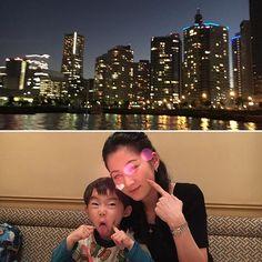 Instagram【plumeria522】さんの写真をピンしています。 《家族で中華を食べて 水上バスに乗り 久しぶりに横浜の夜景が見れました! やっぱり夜景いいわー✨✨ 夏は臭いから丁度良い時期でした😄  #instadaily #嘉宮 #夜景 #夜景ら部 #横浜 #水上バス #4歳 #4歳男の子 #親ばか #親バカ部 #変顔 #instagood #instafashion #フォクシー #foxey》