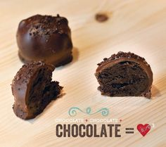 Triple Chocolate Cheesecake Truffles Recipe with Kraft Philadelphia Indulgence. A an easy and fast recipe to satisfy your sweet tooth!