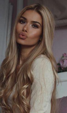 Pamela Reif - All For Hair Color Trending Hair Day, New Hair, Beauté Blonde, Brown Eyes Blonde Hair, Gorgeous Hair, Pretty Hairstyles, Hair Looks, Hair Inspiration, Makeup Looks