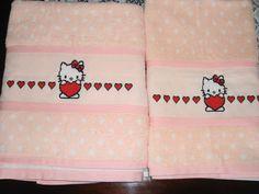 Jogo de Toalhas - Hello Kitty com Corações