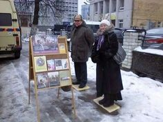 "Russia -- In all kinds of weather.they find a way to obey the Bible command to ""Preach the word, be at it urgently in favourable season, in troublesome season.Thoroughly accomplish your ministry. Throughout The World, Around The Worlds, Jehovah S Witnesses, Jehovah Witness, Public Witnessing, Go And Make Disciples, Matthew 24 14, Bible Truth, Holy Spirit"