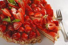 Torta od jagoda i badema \ Magazin \ Hrana i piće \ Oslobodjenje.ba