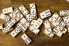 How to Play the Official State Domino Game of Texas - Texas 42 Family Card Games, Fun Card Games, Card Games For Kids, Party Games, Dice Games, Activity Games, Activity Ideas, Lets Play A Game, Games To Play