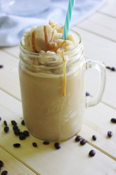 65 Calorie - 5 Minute - Skinny Caramel Vanilla Homemade Blended Iced Coffee Recipe - So EASY- frosty - yummy and GUILT FREE