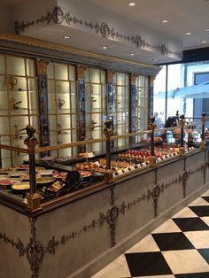 This Ivy House - audreylovesparis: Café Pouchkine, Paris Bakery Cafe, Cafe Bar, Cafe Bistro, Bakery Design, Restaurant Design, Restaurant Bar, Tienda Chocolate, Chocolate Shop, Galerie Vivienne
