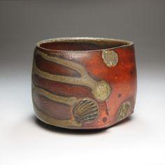 Tom Charbit | Teacup | Stoneware, shino glaze, natural ash glaze, woodfired at 1300°C (64 hours), noborigama kiln, Saint-Amand-en-Puisaye, France, 5 April 2009, dxh: 9,5cm x 7,5cm, collection of the artist | www.tomcharbit.com