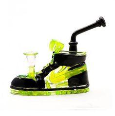 Las Nike... - http://growlandia.com/highphotos/media/las-nike/