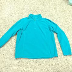 North Face teal pullover sz xl Well loved teal pullover with lots of life left ! Thin polartec material. Washed and worn many times but no stains, rips or snags ! North Face Tops Sweatshirts & Hoodies