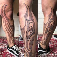 Custom freehand Tamoko by Tamoko Artist Te_maika. All Tamoko tattoos are custom to each persons whakapapa Polynesian Tattoo Sleeve, Polynesian Tribal Tattoos, Face Tattoos, Sleeve Tattoos, Tatoos, Viking Face Paint, Tattoo Artists Sydney, Ta Moko Tattoo, Viking Tattoos