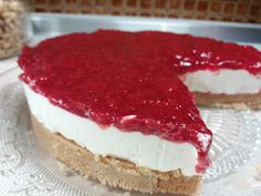 Cheesecake σπιτική με σως φράουλας !!! ~ ΜΑΓΕΙΡΙΚΗ ΚΑΙ ΣΥΝΤΑΓΕΣ 2 Greek Recipes, Tiramisu, Cheesecake, Sweets, Meals, Ethnic Recipes, Desserts, Food, Tailgate Desserts