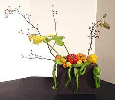 Art Loop Ikebana Exhibition 11-5-2010 Ikebana Arrangements, Floral Arrangements, Art Floral, Floral Design, Fruit Designs, Vegetable Design, In Season Produce, Japanese Flowers, Food Art