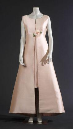 Cristobal Balenciaga 1966 Simply perfect.
