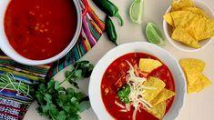 Snažíte sevpředjaří omezit konzumaci masa? Tahle zářivá polévka inspirovaná Mexikem vásdíky fazolím akukuřici zasytí avydá zapoctivou večeři. Vreceptu uvádíme fazole zplechovky –   jetotanejsnadnější možnost. Když sialenezapomenete dendopředu namočit hrnek suchých červených fazolí, takbudou vtlakovém hrnci uvařené za25 minut (zatímco sevaří základ napolévku) avyušetříte aprospějete životnímu prostředí.