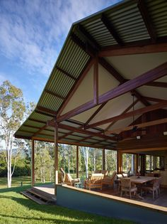 Image 35 of 35 from gallery of Hinterland House / Shaun Lockyer Architects. Photograph by Shaun Lockyer Architects Small Modern Home, Modern Barn, Shed Plans, House Plans, Tiny House, Steel Framing, Parc Floral, Weekend House, Australian Architecture