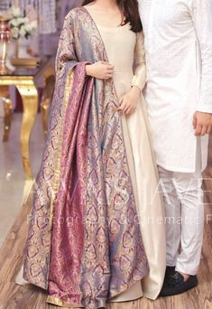 designer indian wear indian designer wearYou can find Designer dresses indian and more on our website Pakistani Formal Dresses, Pakistani Fashion Party Wear, Pakistani Wedding Outfits, Indian Gowns Dresses, Indian Fashion Dresses, Pakistani Dress Design, Indian Designer Outfits, Indian Outfits, Indian Wedding Dresses