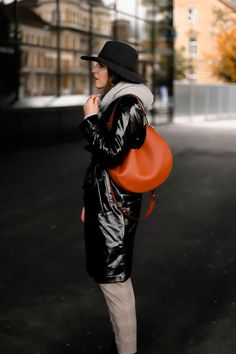 Discover recipes, home ideas, style inspiration and other ideas to try. Casual Chic Outfits, Fashion Weeks, Trenchcoat Style, Fashion Blogger Style, Fashion Trends, Fashion Bloggers, Outfit Des Tages, Fashion Magazin, Mode Blog