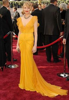 michelle williams in vera wang - academy awards 2006. obviously inspired kirsten dunst's chloe look.