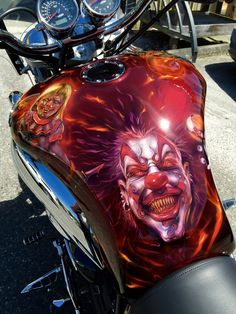 15 Motorcycles with Ridiculous Paint Job - True Rider - Speed Demon Custom Motorcycle Paint Jobs, Custom Paint Jobs, Custom Art, Custom Bikes, Custom Choppers, Airbrush Designs, Airbrush Art, Paint Bike, Motorcycle Tank