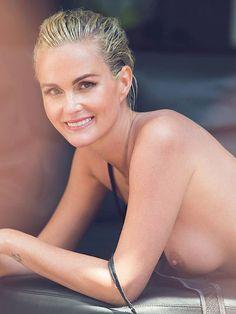 Godelina - 41 jarige vrouw van bejaarde Johnny Hallyday laat zich naakt fotograferen