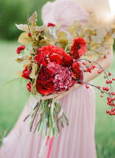 Red and gold.  Florals: Bricolage Curated Florals. Photography: Kayla Barker Fine Art Photography - www.kaylabarker.com  Read More: http://www.stylemepretty.com/2014/06/13/a-red-blush-gold-romantic-shoot/