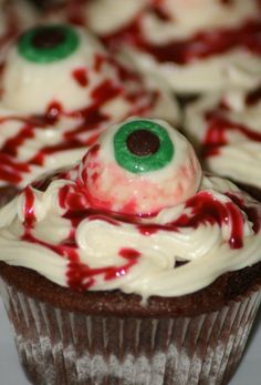 halloween eyeball cupcakes ideas