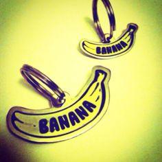 Placa de identificación para mascota. Pet tag. Facebook.com/agarrapata Modelo: banana