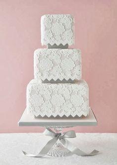 Lace Wedding Cake. Vintage wedding ideas.