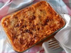 Receta de Pastel de macarrones griego - Pastitsio #RecetasGratis #RecetasFáciles #Pasta #Pasticho #Lasaña Le Chef, Macaroni And Cheese, Ethnic Recipes, Pizza, Food, Brown, Kuchen, Pasta Recipes, Yummy Cakes