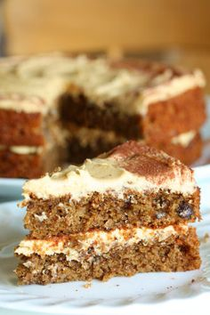 Coffee And Banana Cake. Wouldn't you love to sink your teeth into this golden beauty? Try this recipe and you'll be glad you did. This coffee cake is also gluten free. And if you replace the eggs with egg replacer, you have yourself an amazing vegan cake too! Now before you dig into this plump slice of cake, be good and have a healthy meal first. Have you checked out some of our terrific meal options - http://deals.foodsniffr.com/healthy-gourmet-food/healthy-meals.html