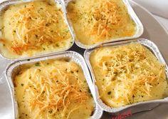 Macaroni schotel by riniirawan Read Vegetarian Kids, Vegetarian Recipes, Snack Recipes, Cooking Recipes, Snacks, Dessert Recipes, Macaroni Schotel Recipe, Mie Goreng, Western Food