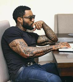 great beards Source by The post great beards appeared first on Vanily. Fine Black Men, Gorgeous Black Men, Handsome Black Men, Fine Men, Dark Man, Black Men Beards, Black Men Tattoos, Eye Candy Men, Chocolate Men