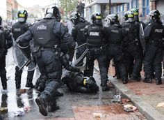 Belfast Is a Paradise Riot Police, Police Uniforms, Belfast, Law Enforcement, Northern Ireland, Army, Cities, Paradise, British