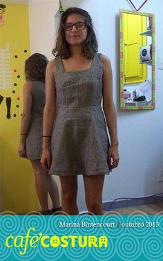 Marina está puro charme este vestido recortado de linho!