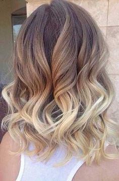 Balayage blond sur cheveux mi long