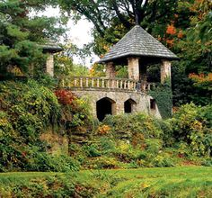 Stan Hywet ... what a background  (Akron, OH)  The back of the Tea Houses